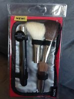 Essence Of Beauty 5 Piece Magnetic Brush Set - In Package