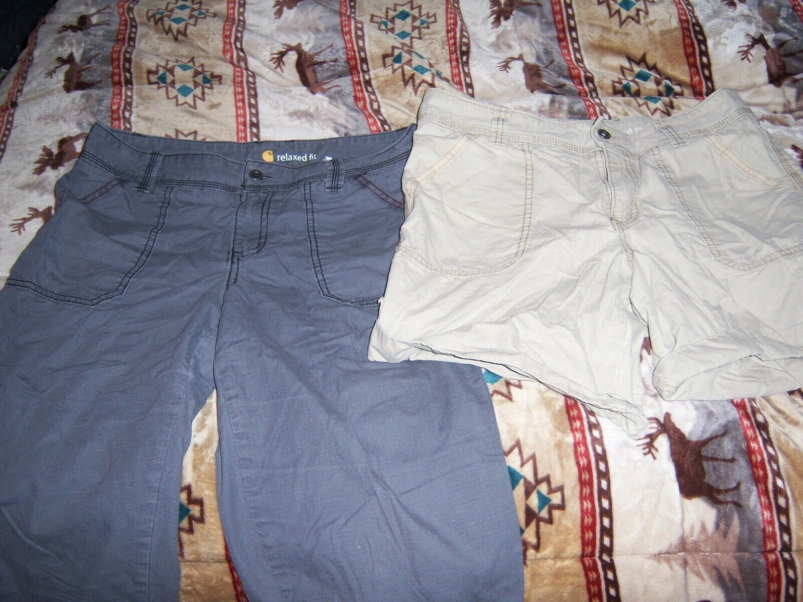 CARHARTT WOMENS CROP AND SHORTS LOT SIZE 8