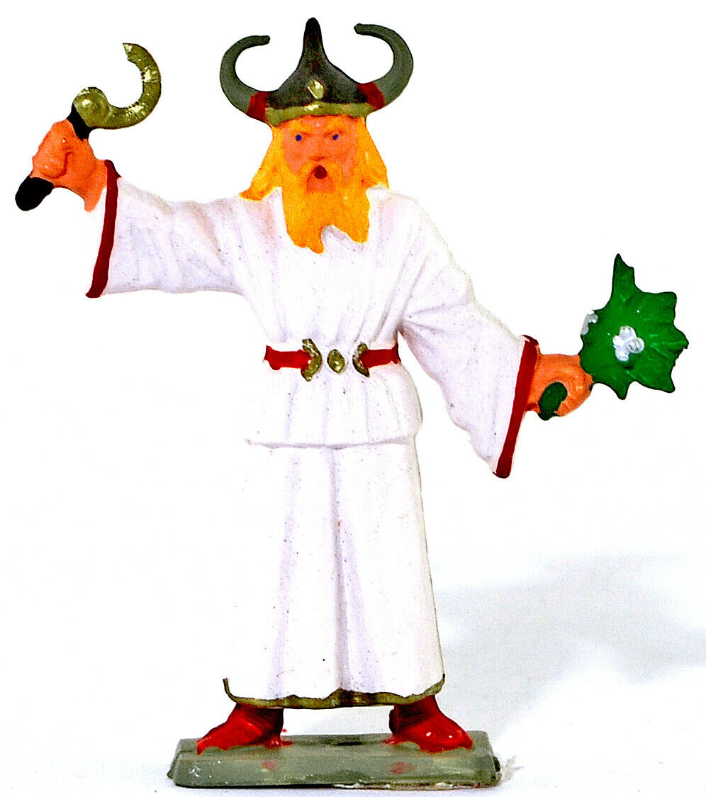 Starlux Gaul - Druid Priest- 60mm painted soldier - Only 2 models remain