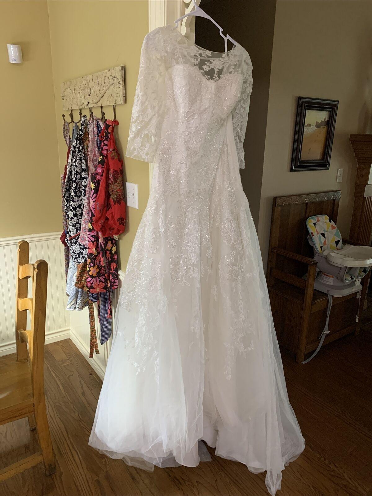 oleg cassini beaded Long wedding dress Sleeves Button back tulle heavy Size 10