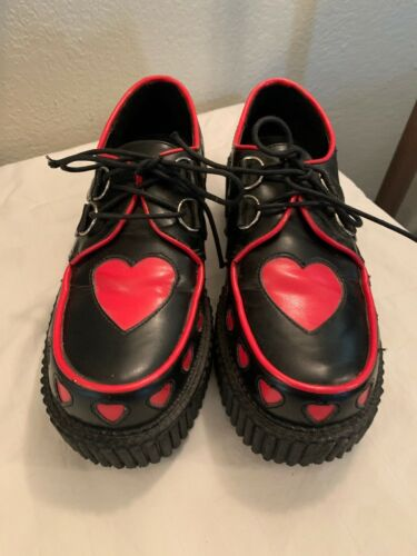 Womens Size 7 Demonia Creeper Heart Shoes Blk/Red