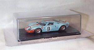 Ford-GT-40-1968-azul-y-naranja-palido-no-9-Ganador-Le-Mans-1-43-escala-Spark