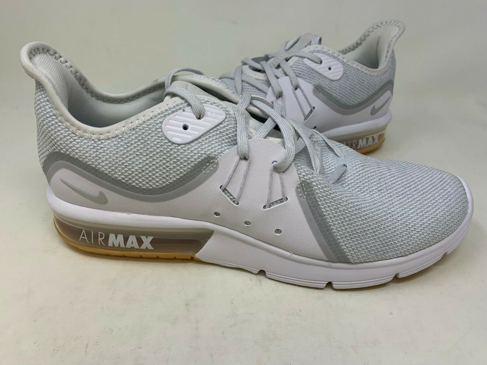 NEW  NIke Men's Air Max Sequent 3 Mens Running shoes Lt Gry Wht R z
