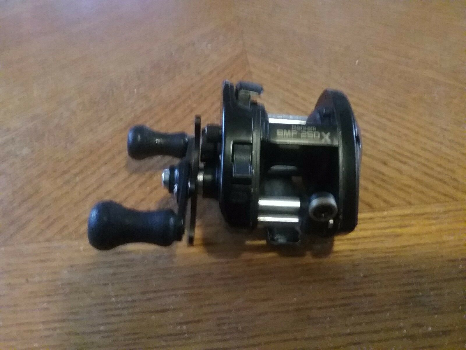 Shimano MAG-PLUS  BMP 250 SG Reel, Very Nice Condition.  cheap designer brands