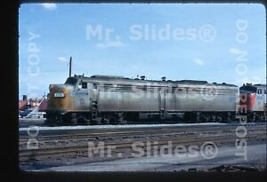 Original-Slide-Amtrak-Louisville-amp-Nashville-Paint-E8A-225-Louisville-KY-1973