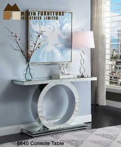 Sale On Mirrored Console Table (MZ89) Mississauga / Peel Region Toronto (GTA) Preview