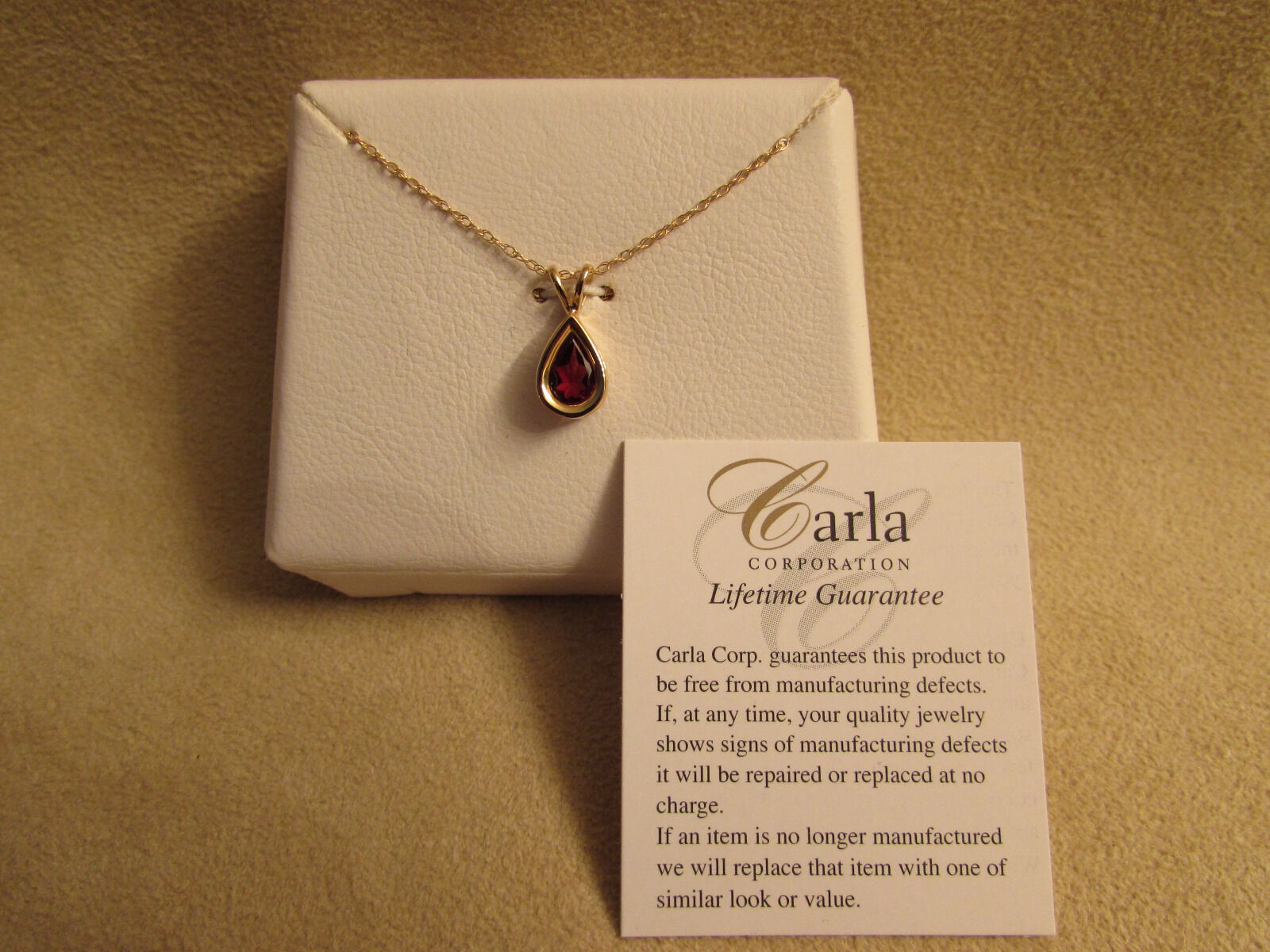 New 14kt Yellow gold Genuine Pear Shaped Garnet Pendant & 18  Chain By Carla
