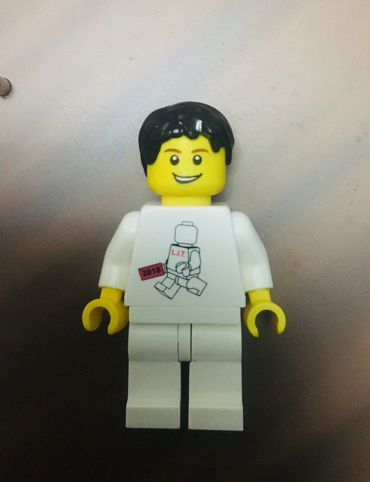 Lego inside tour 2018 minicifras  extremely rare lit ltd authentic SDCC NYCC  prima i clienti