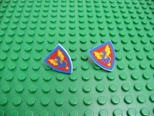 2x LEGO Old Gray Shield Triangular w//Blue Dragon Yellow Wing 6085 6086 6060 6057