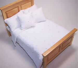 1-12th-scale-dolls-house-Double-Quilt-Bedding-Set-White-B-Anglaise-D-673B