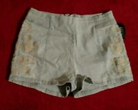 Bullhead Denim Co. Blue Jean Floral Embroidered Shorts Size 1