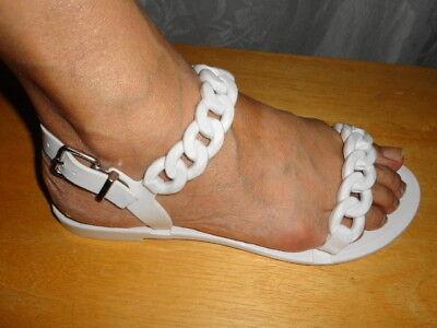 55fa3ae1696a GIVENCHY White Nea Chain Strap Jelly Sandals 38 8  295 Jellies