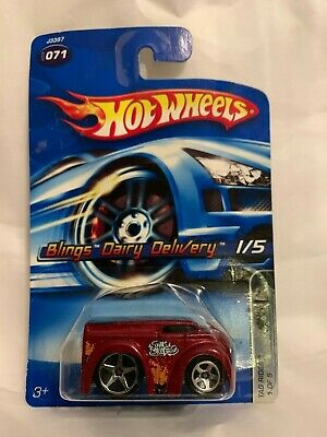 2006 Hot Wheels Blings Dairy Delivery #71