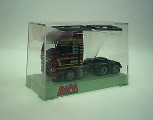 1-87-AWM-MAN-TGX-XXL-Aerop-Zugm-Royal-Transport-N