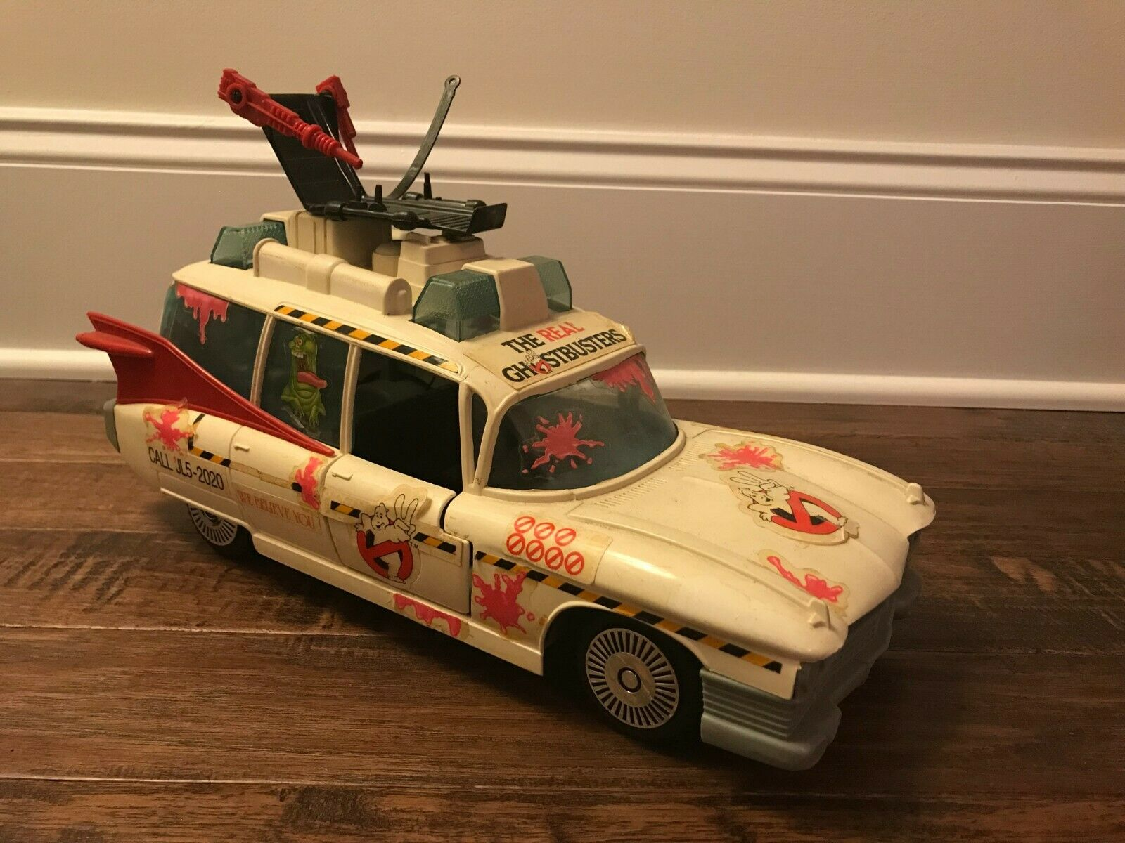1990 Vintage (Kenner)  THE REAL GHOSTBUSTERS  (ECTO-1A) Vehicle, RARE