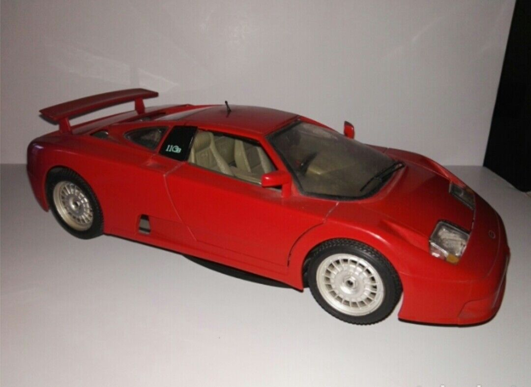 Bugatti eb 110 escala 1   18 bburago