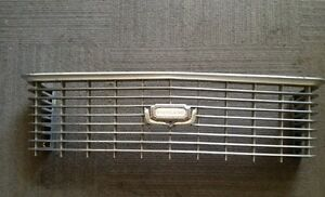 FORD-ZH-FAIRLANE-GRILL