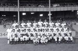 1948-New-York-Yankees-Team-Original-Photo-Negative-4-034-x-5-034-Joe-Dimaggio-amp-Berra