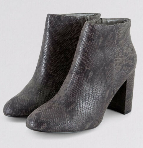 WOMENS PLUS SIZE 7 8 9 WIDE FIT NEW LOOK GREY SNAKESKIN TRANSVESTITE ANKLE BOOTS