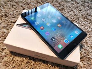 USED Apple iPad Mini 32GB WIFI - Black/White, Complete Package