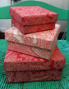 3-Square-Stacking-Nesting-BOXES-Covered-w-India-Paper-Hot-Pink-White-Paisley