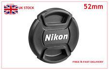 52mm Copriobiettivo Centro Pinch per Nikon Lens + GRATIS Copriobiettivo Supporto (ciglia)