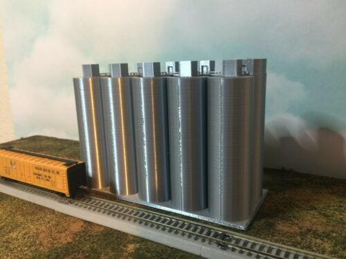 SILVER Your Small Town USA N Scale 1:160 EASY 2 pc Assembly Flour Silo SET
