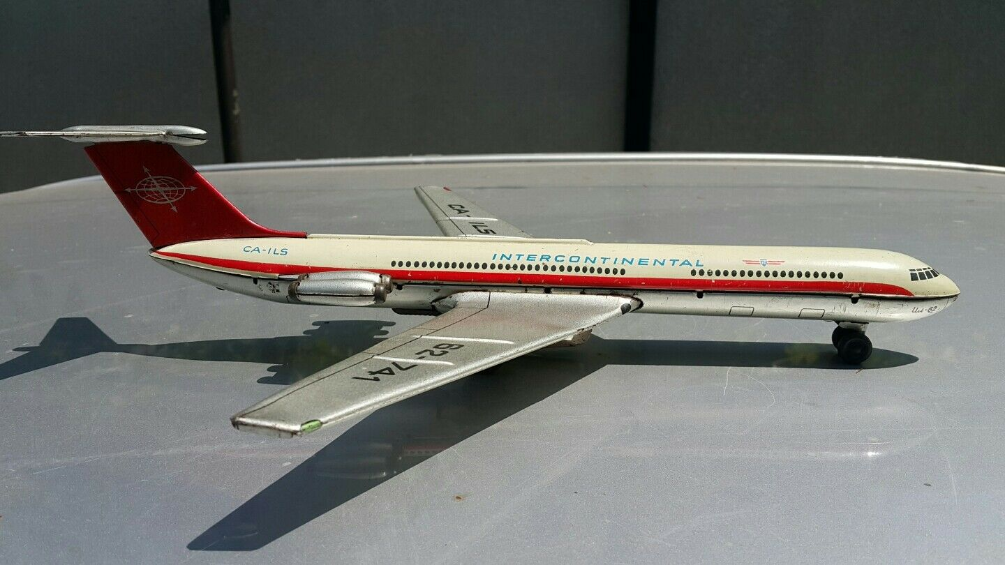 VINTAGE TIN TOY FRICTION FRICTION FRICTION INTERCONTINENTAL CA-ILS AIRPLANE il-62 AIRCRAFT MODEL 209b72