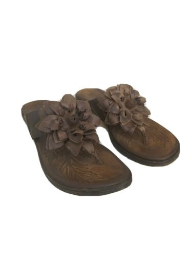 Born Brown Leather Thong Sandals Size 8