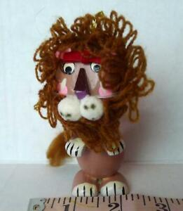 Cowardly-Lion-Wizard-of-Oz-Christmas-Ornament-Wood-Vintage