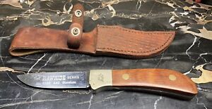 QUEEN USA VINTAGE RAWHIDE SERIES 4180 HUNTING KNIFE W/LEATHER SHEATH OS.