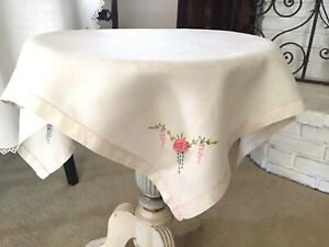 Vintage-Handmade-Embroidered-Cotton-Tablecloth-Square-w-Pink-Floweretts-31-034-x-32-034
