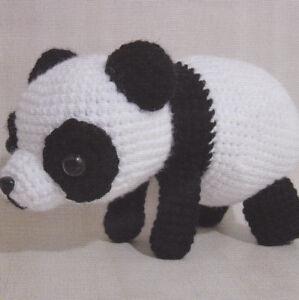 Panda - Amigurumi no Elo7   Little Bee Handmade (932F9C)   300x299