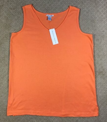 NWT Women/'s Silhouettes Sleeveless Knit Tank Shell Top