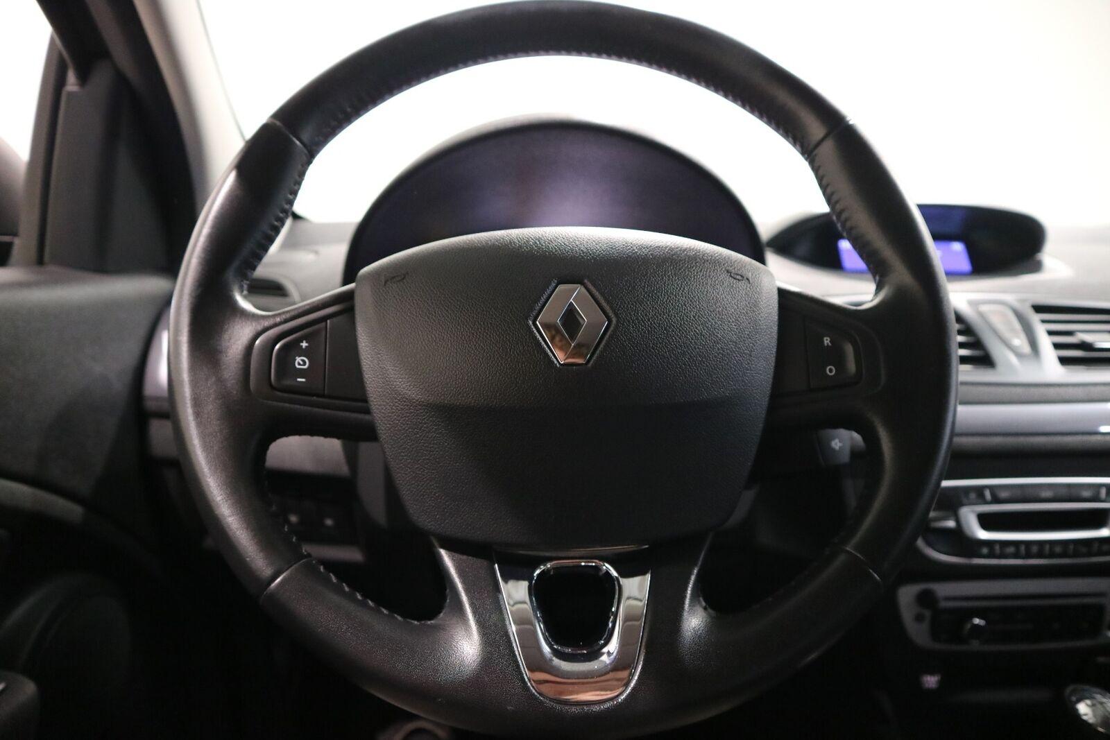 Renault Megane III 1,5 dCi 110 Expression Sport Tourer - billede 3