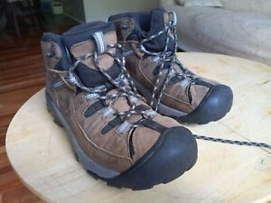 Keen Womens Mountain Hiking Boots Lace Up Brown Leather Size 8.5 Shoes