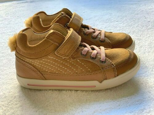 Brand New Clarks Girls Lil Folk Boo Tan Suede Air Spring Hi Top Shoes