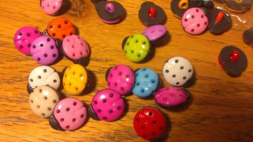 10 25 Or 50 Mixed Coloured Plastic Ladybird Bug Buttons 15mm  1