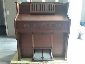 Orgel-Harmonium-von-Mannborg