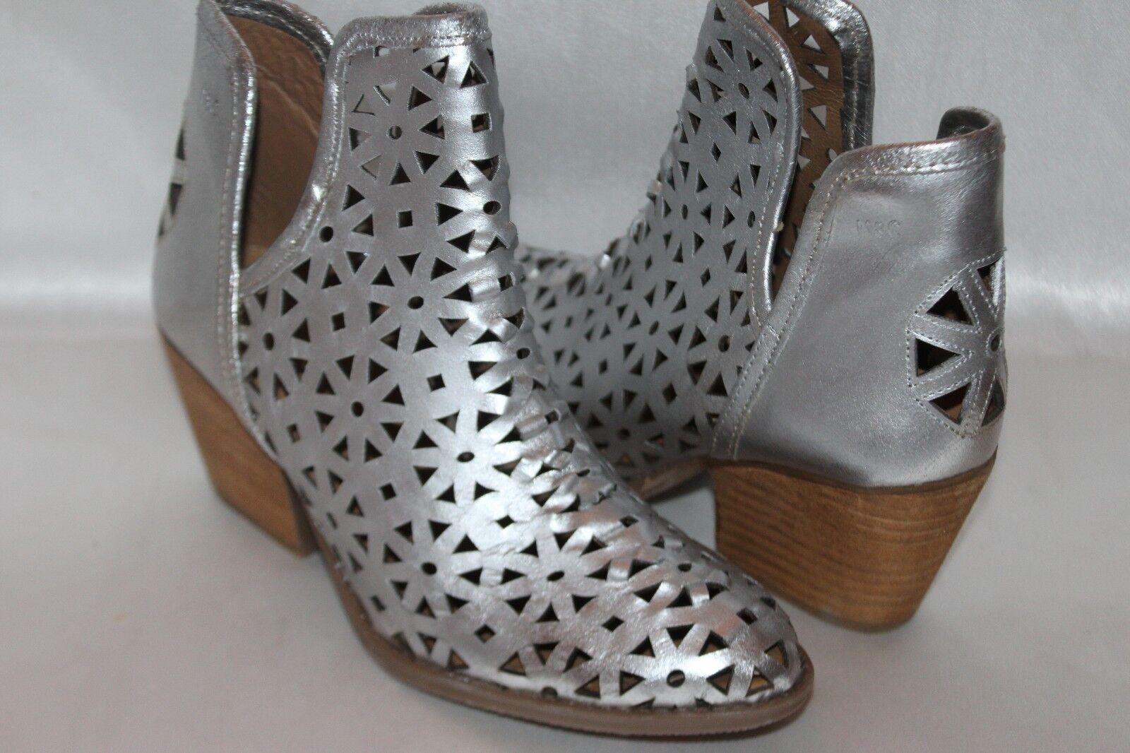 NEW! MUSSE & CLOUD Metallic Silver Cutout Leather ATHENA Ankle Boots Sz 9 EU40