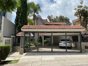 Magnifica residencia en venta en Bugambilias