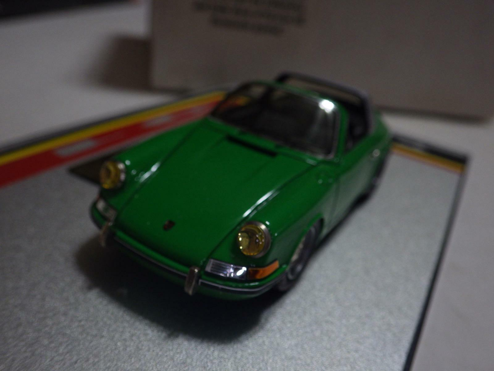 Heco Miniatures Du Chateau (France) Green Porsche 911 Carrera 2 Targa 1991 1:43