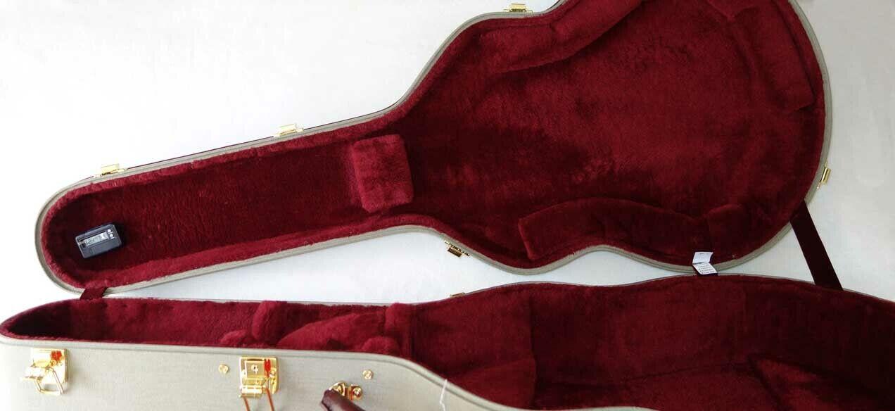 AMERITAGE AME-31 PRO Guitar Case for GIBSON 17  J100, J150, J200, SJ200 Guitars