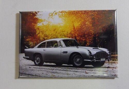 """Magnet Magnet Aston Martin DB5 /""""James Bond/"""" lang 78 mm Haut 54 mm neu"""