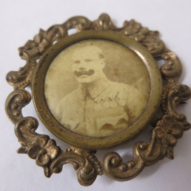 Vintage Brooch Decorated Insignia Soldier Photograph Sweetheart Military