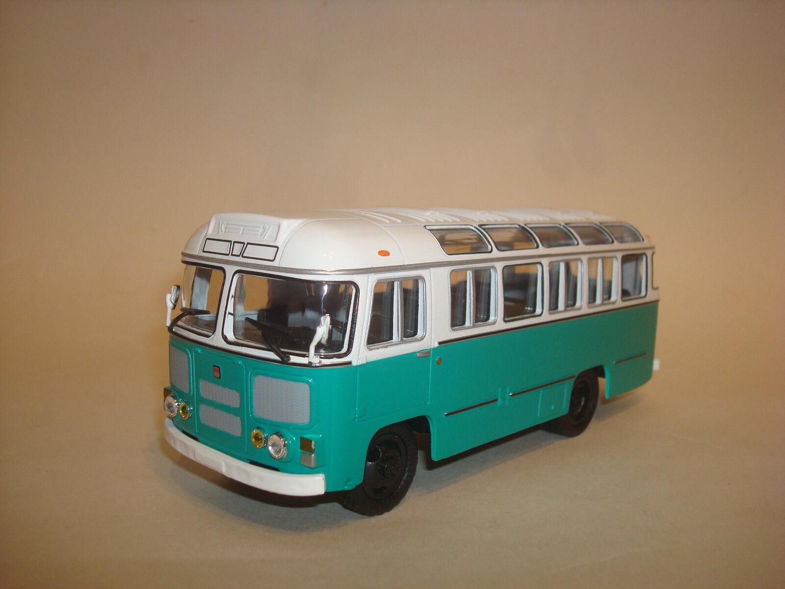 PAZ 672M white-green USSR Russian 1 43 Soviet bus