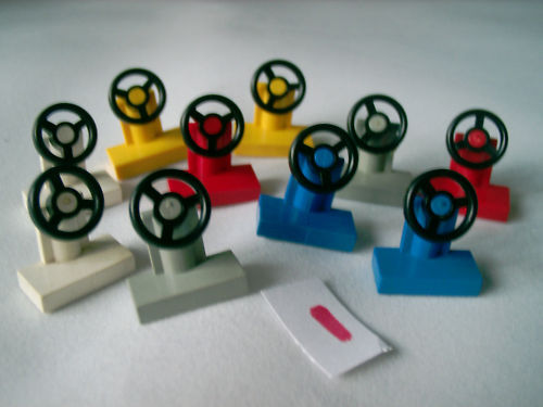 LEGO MIXED COLOURED SMALL CAR STEERING WHEELS x 10  LOT 1