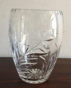 Magnificent-Vintage-Solid-Crystal-Glass-Vase-Flower-Design