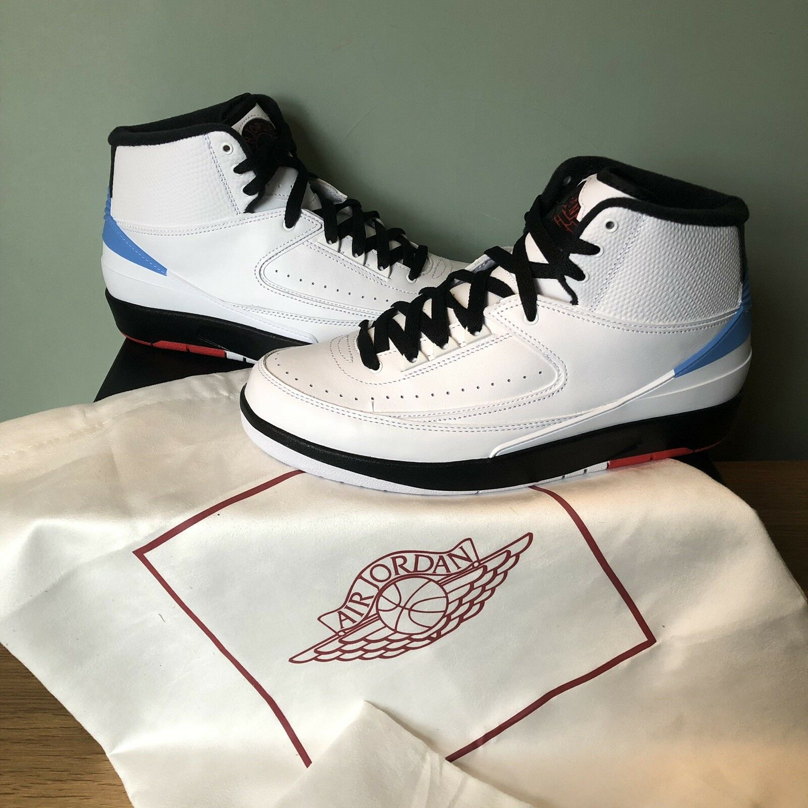 Nike Air Jordan 2 Retro Alumni UNC UK8.5 US9.5 EU43 Brand New  917360-105