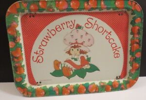 VINTAGE-STRAWBERRY-SHORTCAKE-FOLDING-METAL-TRAY-1981-AMERICAN-GREETINGS-CO